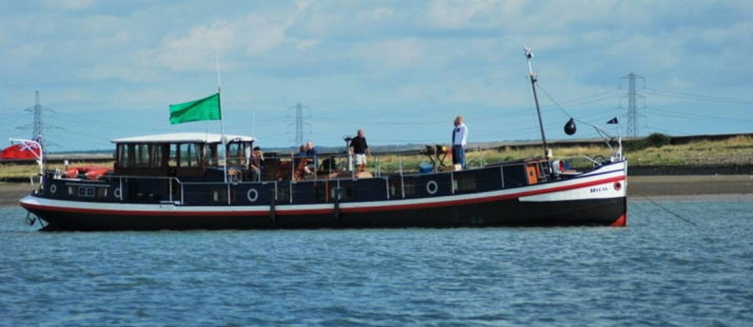 24m Cruising Hotel barge - sleeps 10