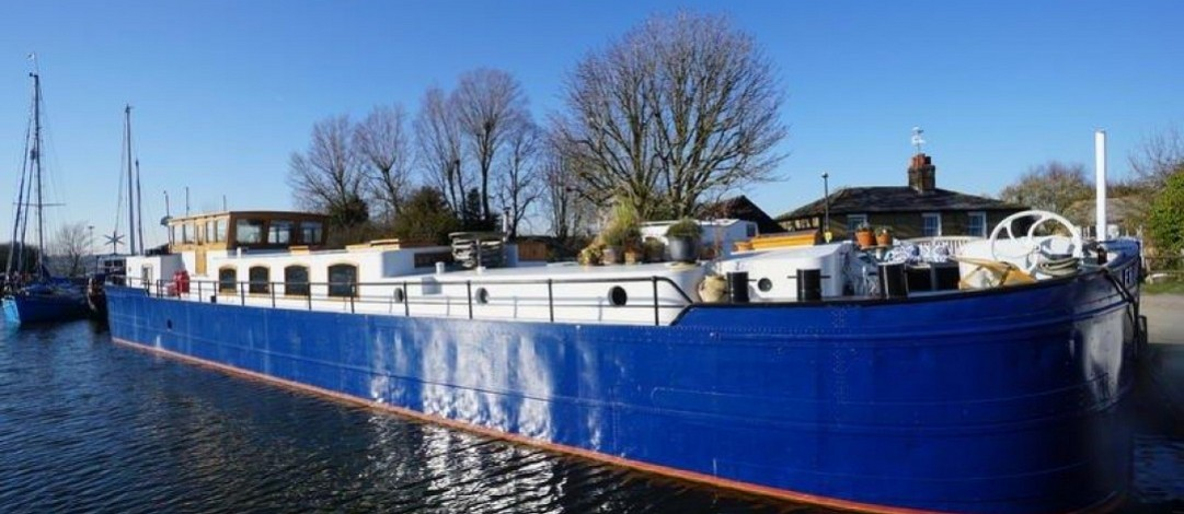 29m Spits barge for residential or cruising