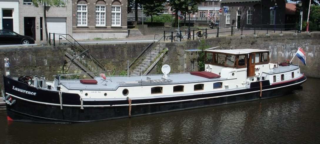Magnificent 24m barge is for sale - £149,000